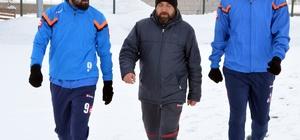 Dondurucu soğuğa rağmen antrenman