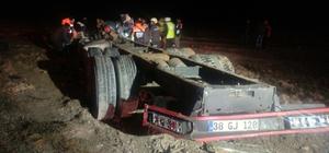 Konya'da yolcu otobüsü kamyona çarptı: 1 ölü, 15 yaralı