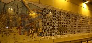 Kültürel motifler tüp geçidi süslüyor