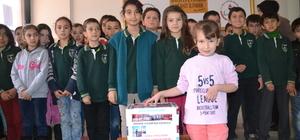 Okul harçlıklarını Halep için biriktirdiler