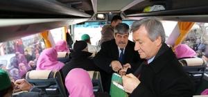 Burhaniye' de umrecileri başkan yardımcıları uğurladı