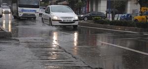 Aydın'da aniden gelen yağış hayatı olumsuz etkiledi