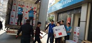 Antalya'dan Haleplilere 3 tır yardım