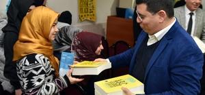 Tütüncü'den öğrencilere kitap desteği