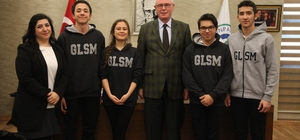 Kolej öğrencilerinden Başkan Kurt'a ziyaret