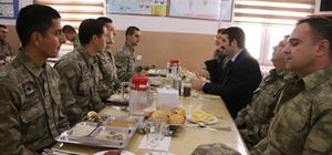 Kaymakam Yosunkaya'dan sınır karakolunda askerlere moral ziyareti