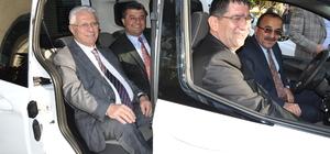 Ford Otosan'dan Antalyalı şoförlere 4 hibe araç
