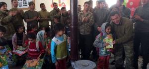 Operasyondaki Mehmetçik'ten öğrencilere karne hediyesi