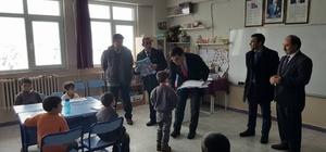 Başkan Yalçın öğrencilere karnelerini verdi
