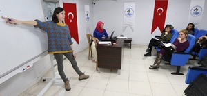 Pamukkale Belediyesi İngilizce kursu başladı