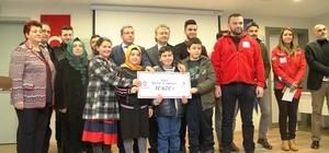 Öğrenciler harçlıklarını Halep'e bağışladı