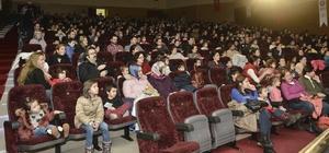 Çocuklara tiyatro oyunuyla hayvan sevgisi anlatıldı