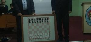 Mehmet Akif Ersoy'da satranç şampiyonası