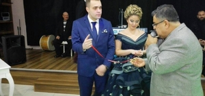 Başkan Yağc,ı iki genç çifti nişanladı