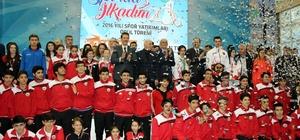 2016'nın başarılı sporcuları İlkadım'da ödüllendirildi