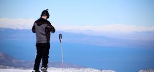 Davraz'da 1,5 metreyi aşan karda kayak keyfi