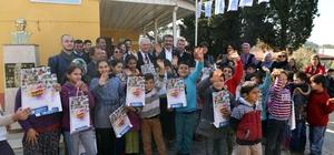 Başkan Çetin öğrencilere kitap hediye etti