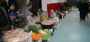 Devrek'te köylü pazarı yeni yerine taşındı