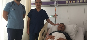 71 yaşındaki adamın kalp kapağı TAVİ yöntemiyle değiştirildi