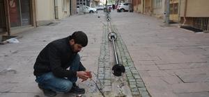 Şehzadeler Belediyesi Bedesten'in çevresini aydınlatıyor