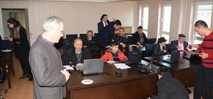 Dinar'da 40 yaş ve üzeri vatandaşlara bilgisayar eğitimi verildi