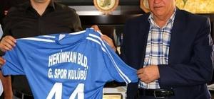 Belediye başkanından kaymakam'a Girmanaspor forması