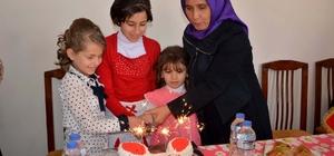 Yetim çocuklara sürpriz doğum günü partisi