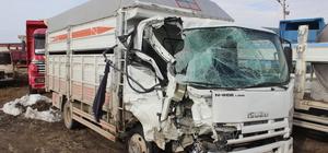 Konya'da kamyonet minibüsle çarpıştı: 1 ölü, 6 yaralı