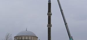 Büyükçekmece Belediyesi, yıkılma riski taşıyan minareyi yıktı