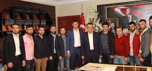Yomra Ak parti gençlik kollarından başkan Sağıroğlu'na teşekkür ziyareti