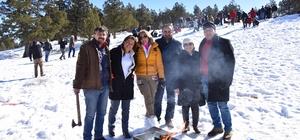 Adanalılar kar şenliği için Kızıldağ'da buluşuyor