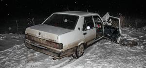 Kütahya'da otomobil ile tır çarpıştı: 2 yaralı