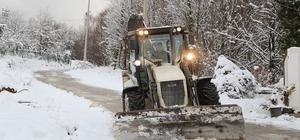 Sapanca'da karla mücadele çalışmaları sürüyor