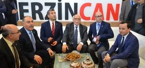 Bakan Avcı, Erzincan standını gezdi