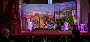 ''Aziz Petrus'un Hayatı'' adlı tiyatro oyunu Hatay'da kilisede sahnelendi