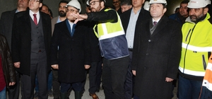 Turan, Çanakkale-İzmir karayolunda yapılan tünel inşaatını gezdi