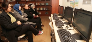 Bayraklı kütüphanelerinde online seminer dönemi