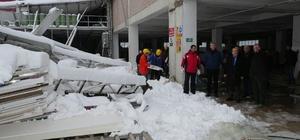 Trabzon'da fabrika çatısı çöktü