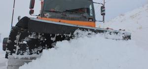 Elazığ'da kar 389 köy yolunu ulaşıma kapattı