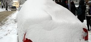 Samsun'da kar yıllar sonra 40 santimetre ölçüldü