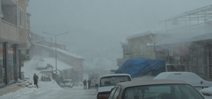 Çelikhan'da kar ve tipi hayatı olumsuz etkiledi