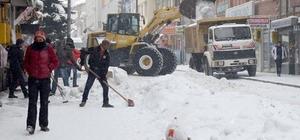 Sarıkamış Belediyesi'nin karla mücadelesi