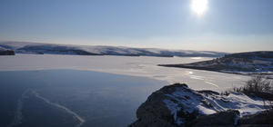 Mamasın baraj gölünün yüzeyi buz tuttu