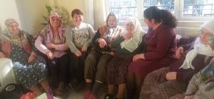 Bozdoğanlı Ak Kadınlar yaşlıları ziyaret etti