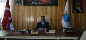 Başkan Akdemir, sokak sokak gezerek yeni anayasayı anlatıyor