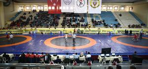 Türkiye Grekoromen Güreş Şampiyonası başladı