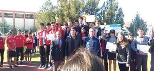 Kulp Yatılı Bölge Ortaokulu Türkiye gruplar kros yarışmalarına gidiyor