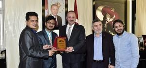 Mustafa Akgül yabancı öğrencileri misafir etti