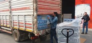 Gelibolu Belediyesi'nden depremzedelere su yardımı