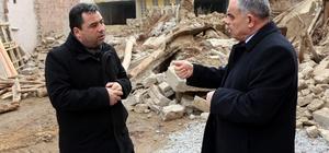 Yahyalı'da bina yıkımları devam ediyor